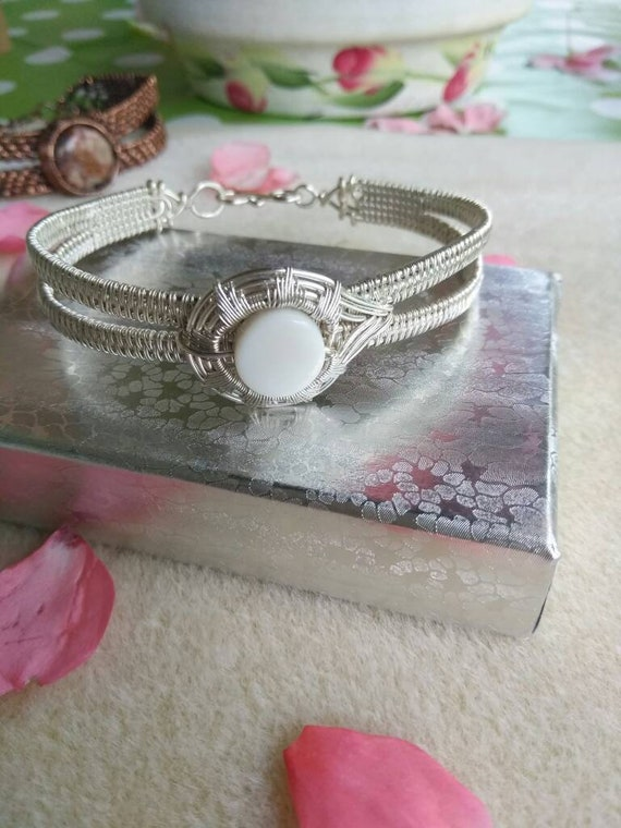 White Shell Wire Wrapped Cuff Bracelet B83182