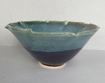 Fluted edge bowl