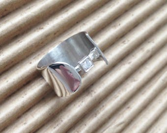 G06-Ring in sterling silver and zircon.