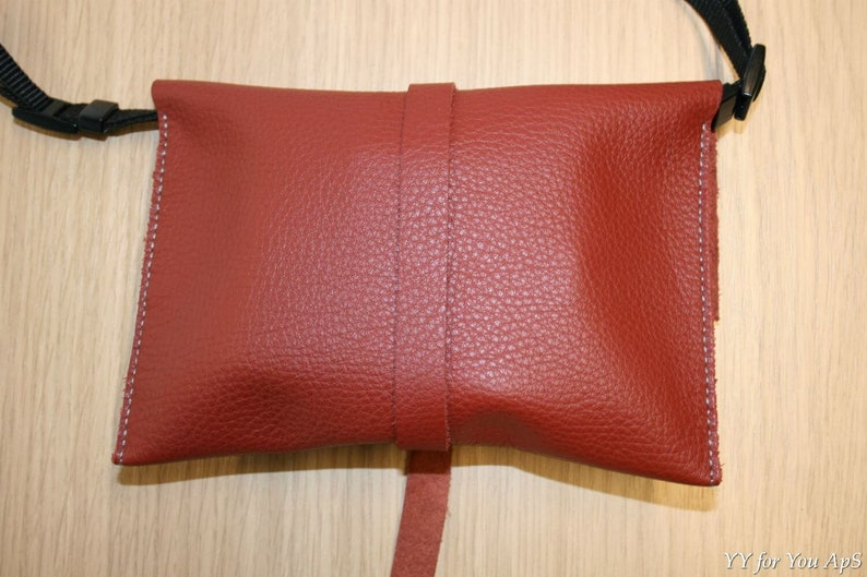Dark Red Leather YY-pouch