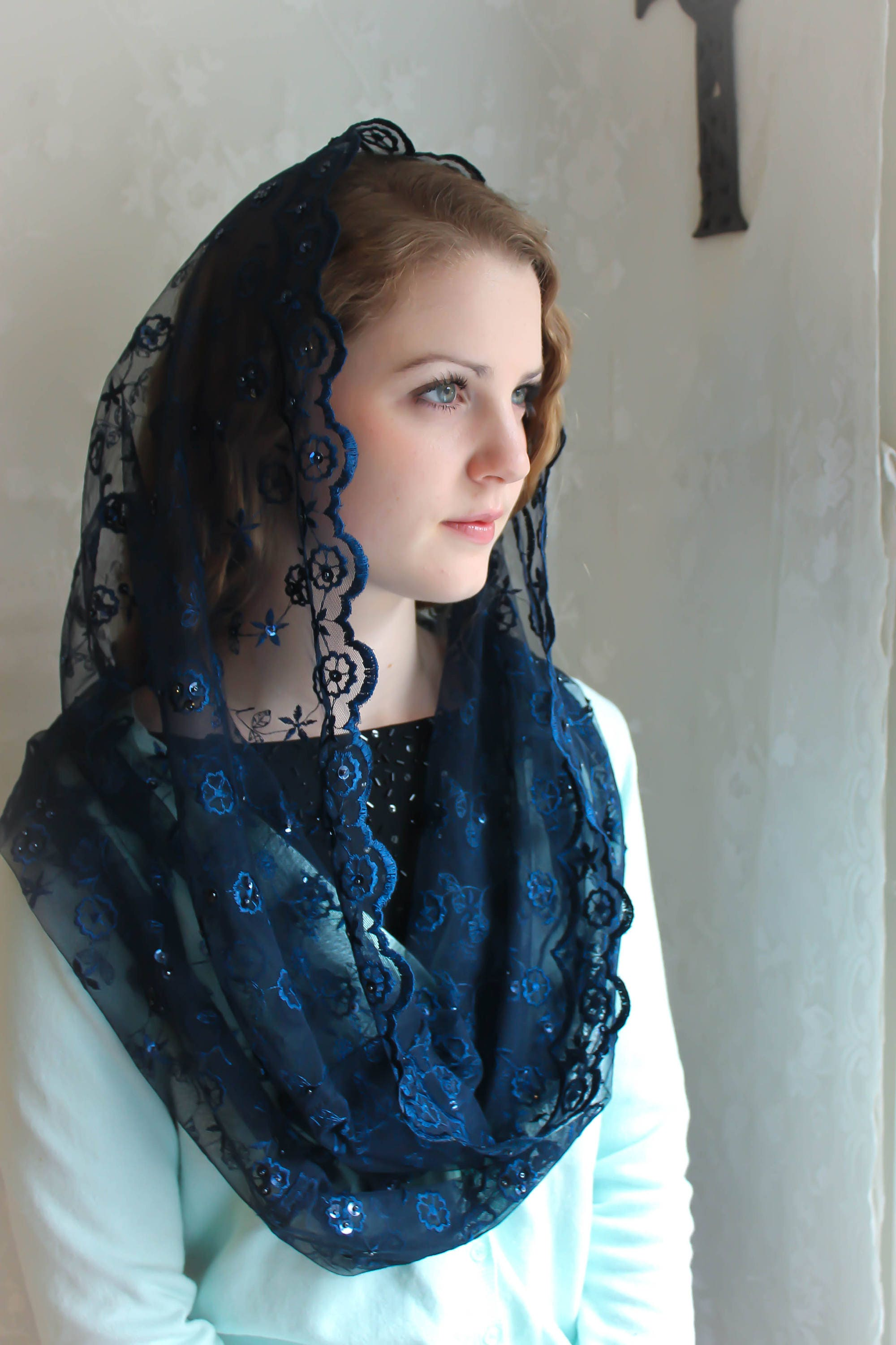 Evintage Veilsnavy Blue Beaded Embroidered Lace Chapel Veil