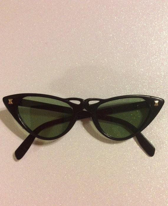 Vintage 1950s Black Cat Eye Sunglasses