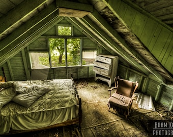Abandoned House Bedroom - Urbex, Urban Decay Photography