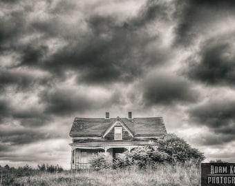 Abandoned Farmhouse - Urbex, Urban Decay Photography