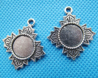 Antique Bronze/Antique Silver/Antique Golden Filigree Cross Base Setting Tray Bezel Pendant Charm/Finding,fit 12mm Round Cabochon/Cameo