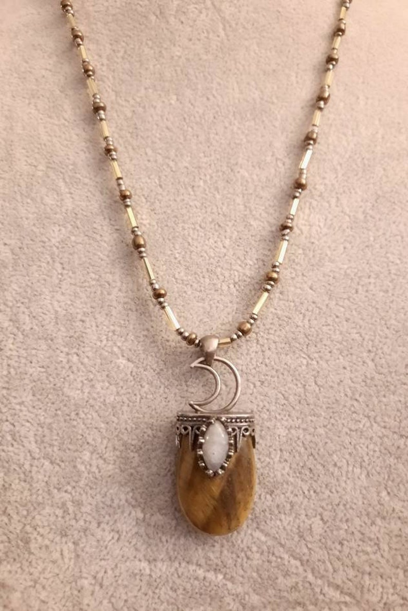 Tiger/'s Eye and Labradorite Pendant on a Very Blingy Small Bead Necklace.