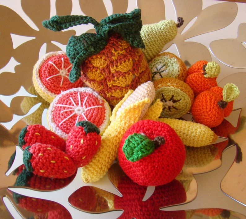 Dinette of fruits in the hand-made hook image 0