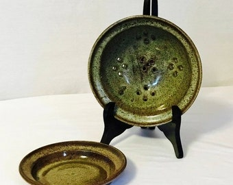 CLEARANCE SALE Handcrafted Pottery: Ceramic Berry Bowl