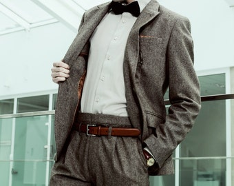 Mens 2 piece suit in brown tweed