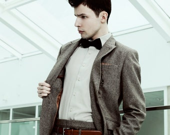 Mens 2 piece suit in brown tweed