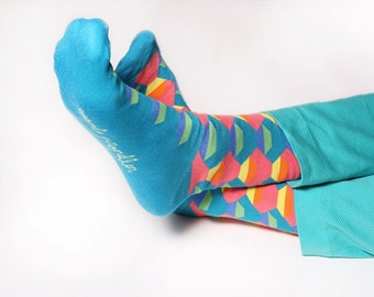 Men's colorful dress socks in aquamarine | sunset design