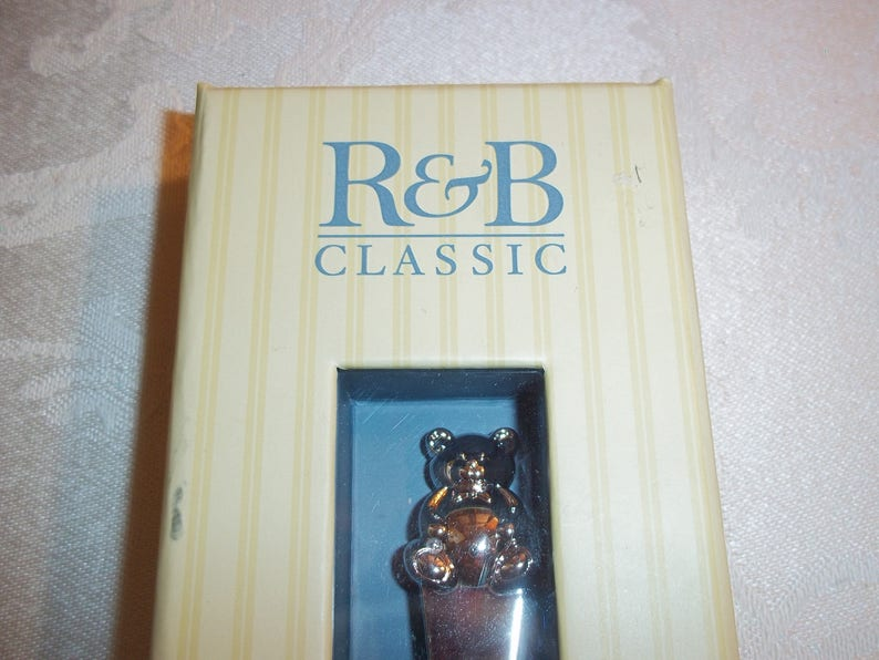 Reed /& Barton Classic 2611 Gingham Bear Infant Feeding Spoon Bright Nickel Finish in Original Box Excellent Condition Baby Shower Gifting
