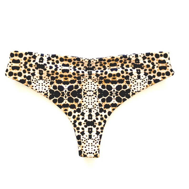 b616e47feedc8 Saltshakers Seamless Reversible Bikini bottom with Scrunch