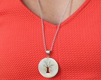 Medaillon Tree Silver Necklace