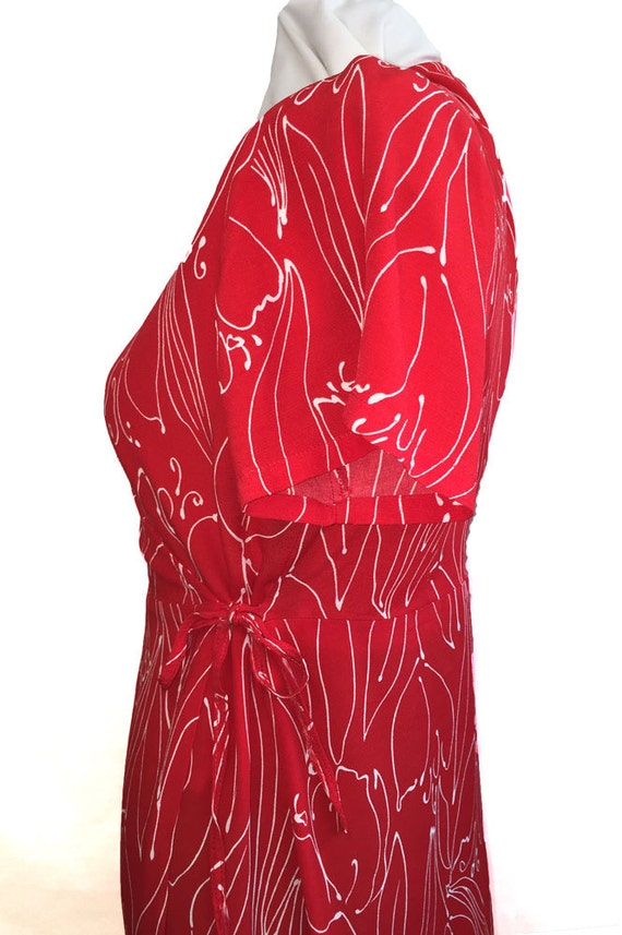 1980s Red Wrap Dress Tulip Line Drawing Print - image 3