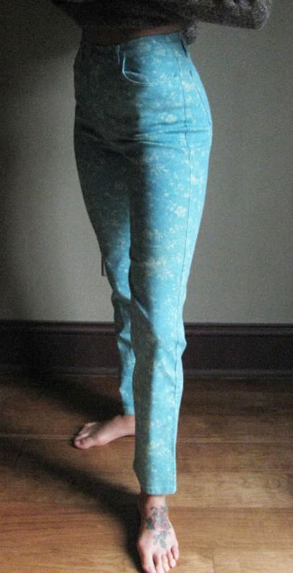 Women's Vintage 1990's blue floral pants