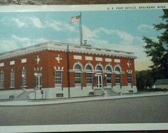 U. S. Post Office, Brainerd, Minn 1940's  old unused postcard