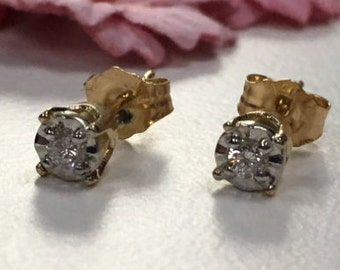 14k yellow gold illusion diamond cut with natural diamond in center earring
