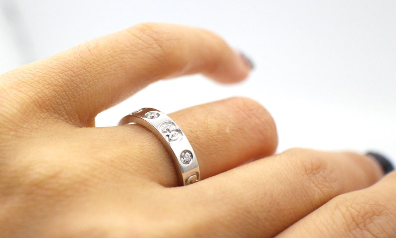 515b895cc ... Original Gucci Icon 18k White Gold Thin Band Ring New image 1 ...
