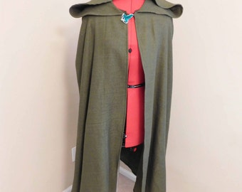 Lord of the Rings Cloak with leaf clasp