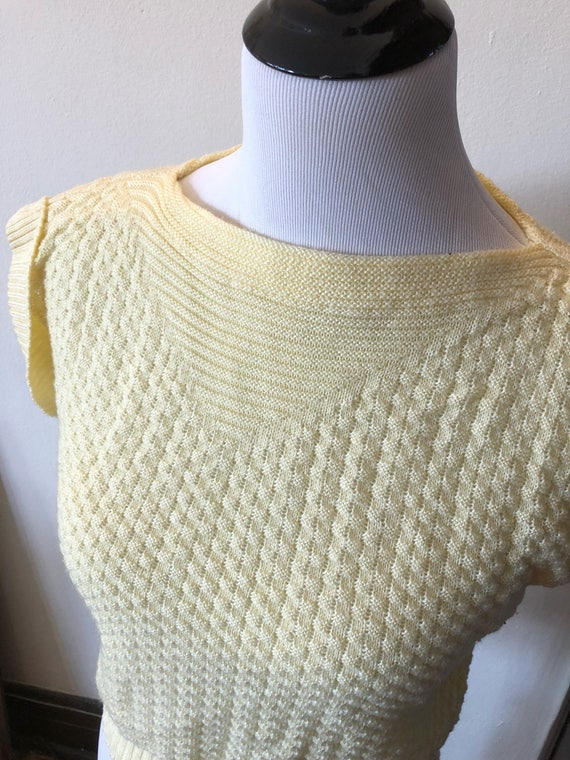 Vintage Butter Yellow Knit Pullover