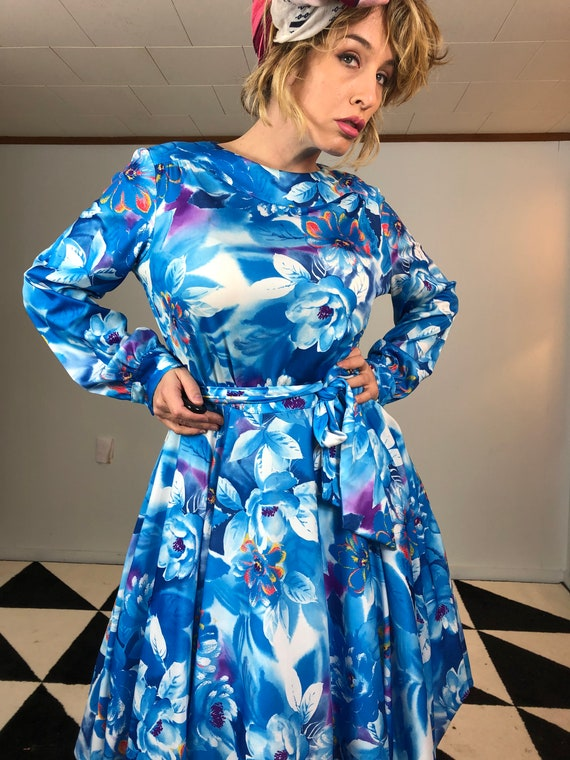 Poet Sleeve 70s Fit and Flare Dress - image 7