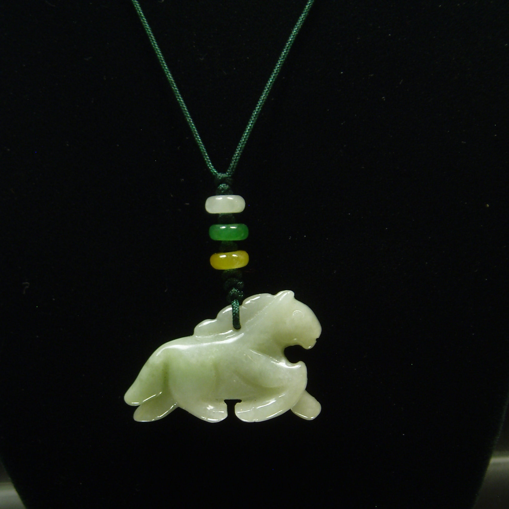 C1019 African Jade Horse Head Carving Horse Pendant Natural Gemstone Horse Jewelry Handmade Gift Horse Jewelry Natural Gemstone Bead