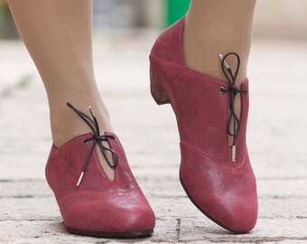 Escarpins en cuir, en cuir à talons, chaussures à la main, Mary Jane, chaussures d'hiver, rouge chaussures, livraison gratuite