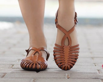 c8252ca48402 Woven Leather Sandals