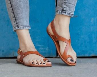 Chameau en cuir sandales, sandales asymétriques, chaussures, sandales Camel, plat sandales d'été, livraison gratuite
