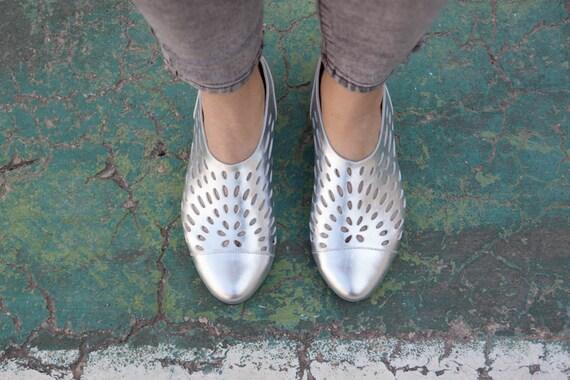 387569144a64f5 Nouveau ! Chaussures en cuir, sandales en cuir, chaussures, ballerines en  cuir, femmes chaussures, s femme, livraison gratuite en argent | Paris  f29edf