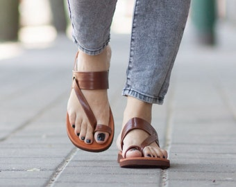 Cuir marron sandales, sandales asymétriques, chaussures, sandales marron, plat sandales d'été, livraison gratuite