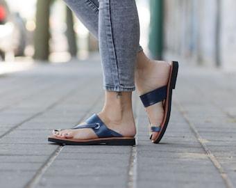 Bleu sandales en cuir, sandales asymétriques, chaussures d'été, des sandales noires, sandales plates, livraison gratuite
