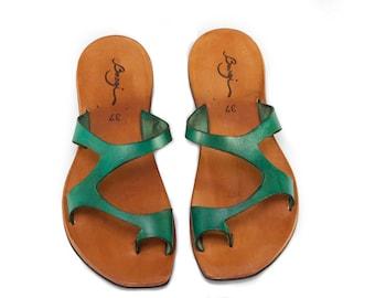 Sandales en cuir vert, verts sandales, sandales asymétriques, été chaussures, sandales plates, livraison gratuite
