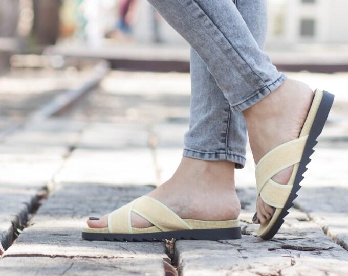 Vintage 1970s Moroccan Leather Thong Sandals Toe Strap Sandals Turkish Beach Hippie Sandals Boho Festival
