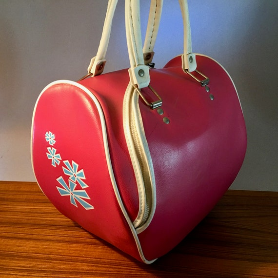 Retro bright pink vinyl bowling bag with blue ato… - image 1
