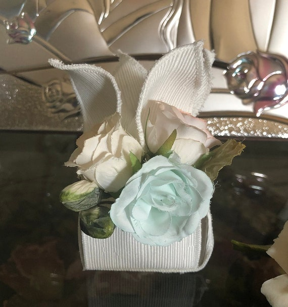 Greek koufeta FIVE SUGARED ALMONDS Italian Wedding Favors Bomboniere Bridal shower favors Almond favor Confetti Italian Favors