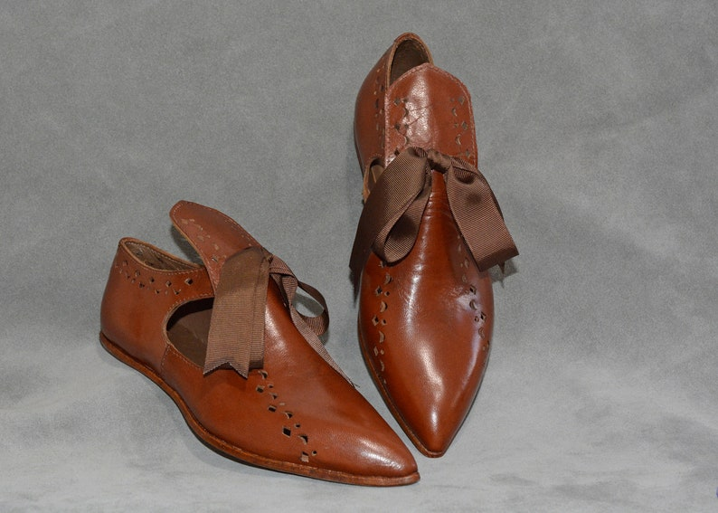 Cognac Medieval Shoes