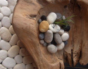 Felt stones / pebbles for decoration