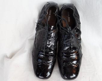 230429e5b5a vintage MIU MIU scrunchy elastic heel black patent flat oxfords  wingtip  style brogues  size 41- fits US 10-10.5 women or 9 mens