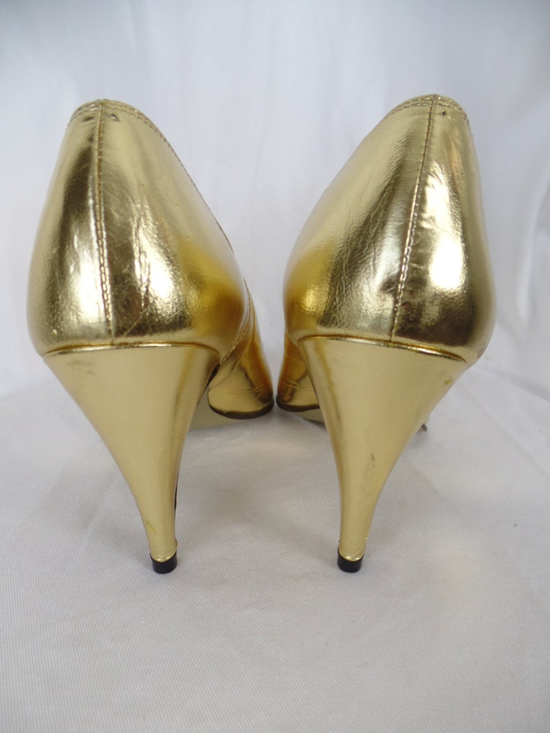 c8d684e3b2f98 90s TSUMORI CHISATO metallic gold foil peep toe pumps/ scalloped edges/  deadstock: Japan size 24= US woman 8