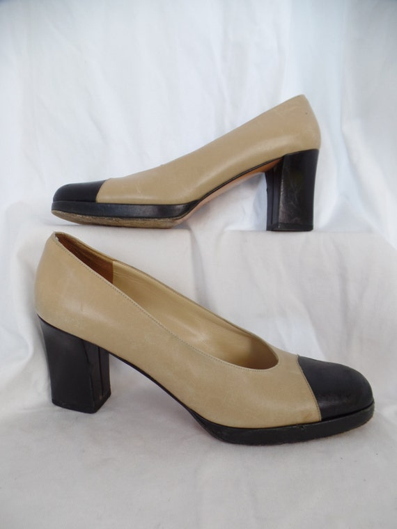 1c9aa6fb2cab5 80s classic cap toe FERREGAMO high heel pumps/ tan+black/ chunky heel +  platform: size 7.5 AA US woman