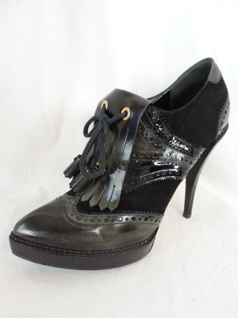 24f0fa92dad Vintage GUCCI black stiletto platform brogue wingtip kiltie