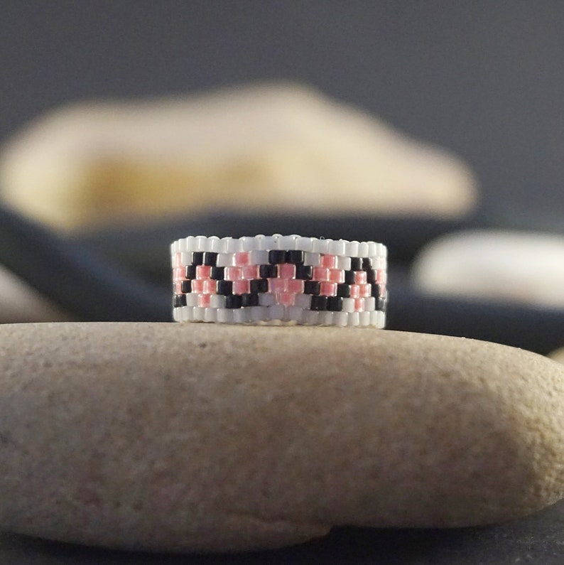 Boho ring Dainty ring Delicate ring smoky gray pink ring Minimalist ring Bohemian ring Thin ring Seed bead ring Beaded rings for women