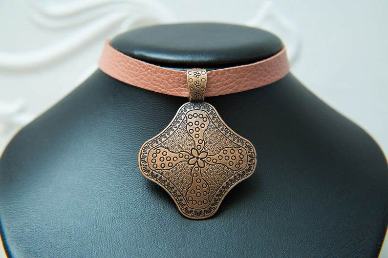 Elegance by Molax Chopa Tribe Tribal goddess coral pink choker Layla Salmon Pink Leather choker with Copper flower mandala large pendant