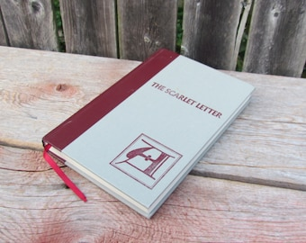 Vintage 1984 'The Scarlet Letter' Nathaniel Hawthorne, Hardcover, Classic Literature