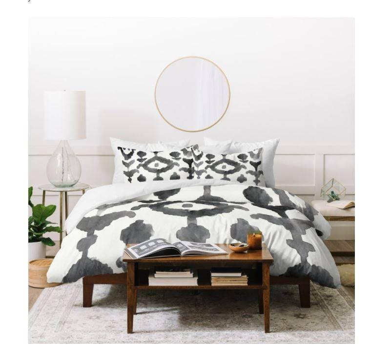 Couverture de couette Ikat pictural, conception de fleur, noir et blanc, aquarelle, literie, couette, décor de chambre à coucher, cadeau de mariage, conception du sud-ouest