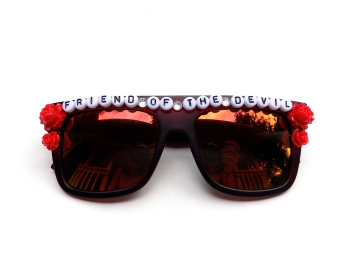"Grateful Dead ""Friend of the Devil"" decorated sunglasses by Baba Cool 