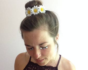 Daisy bun wrap, hippie floral hair accessory, adjustable bun wrap or ponytail holder, festival fashion