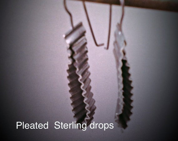 Pleated Sterling Drop